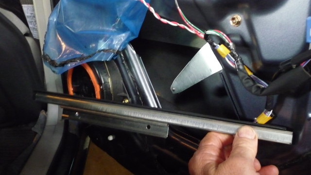 highlander rear r window bracket and arm